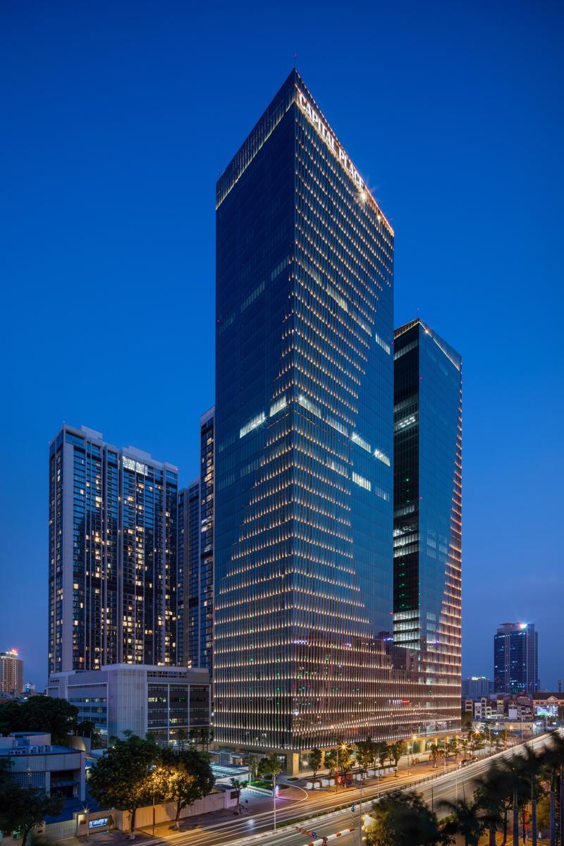 Toà văn phòng hạng A tiêu chuẩn quốc tế Capital Place do tập đoàn Capital đầu tư.