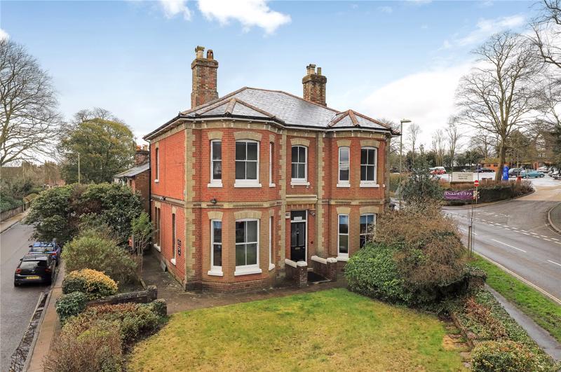 Một căn nhà được rao bán ở Winchester, Anh.