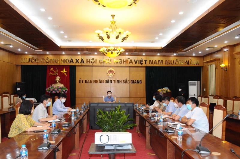 Tiểu ban Điều trị của Bộ phận thường trực hỗ trợ đặc biệt của Bộ Y tế họp khẩn với Ban Chỉ đạo phòng, chống, dịch Covid-19 của tỉnh Bắc Giang.
