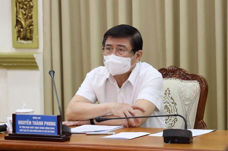 Chủ tịch UBND TP Nguyễn Thành Phong chủ trì cuộc họp sáng 21/5/2021.
