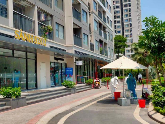 Một tòa nhà ở khu đô thị Vinhome Ocean Park bị phong tỏa .
