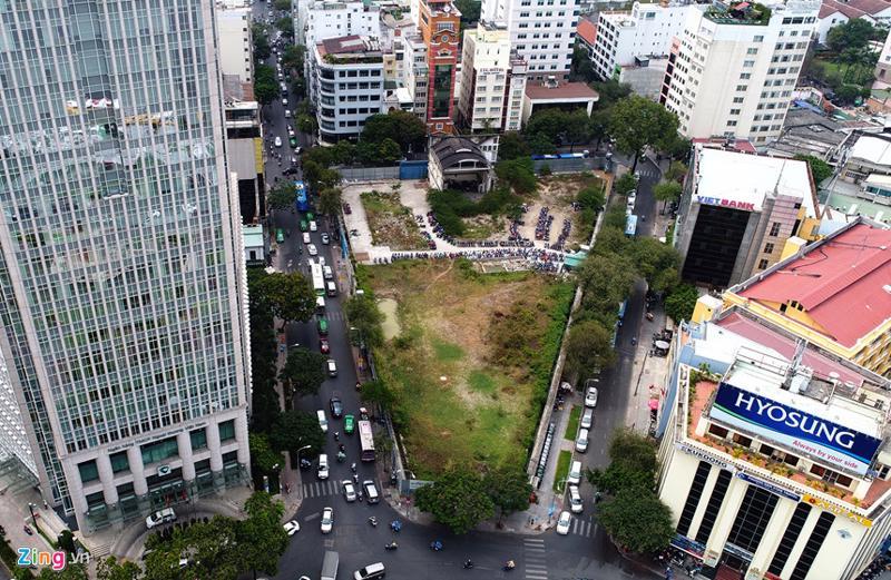 Khu đất vàng 2 - 4 - 6 Hai Bà Trưng, quận 1, Tp.HCM, rộng 6.000 m2, nằm trên bốn mặt tiền (đường Hai Bà Trưng - Đông Du - Thi Sách và Công trường Mê Linh).
