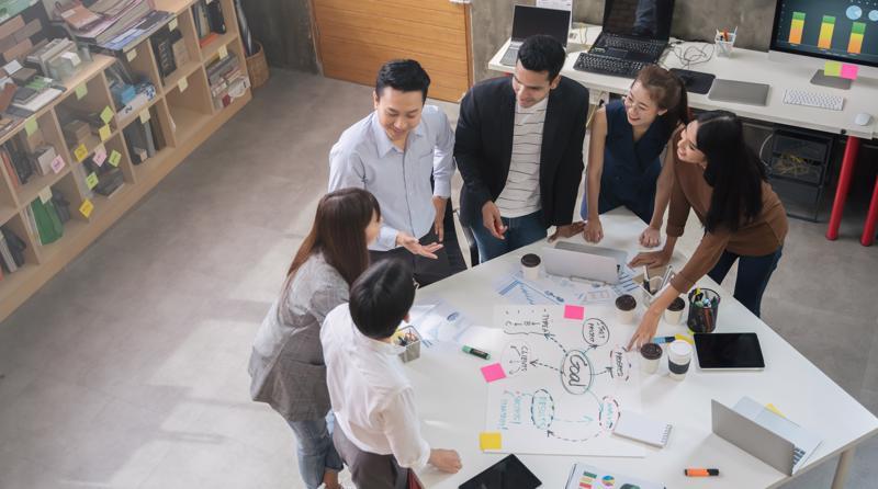 Được trao quyền tự quyết sẽ giúp nhân viên chủ động, ý thức và tự giác hơn trong công việc.