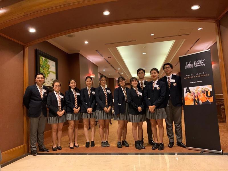 Học sinh Olympia giành giải Nhất cuộc thi phân tích tài chính kinh doanh của Đại học Úc năm 2019.