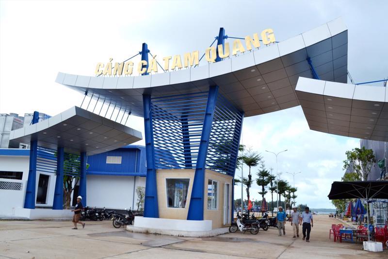Cảng cá Tam Quang góp phần tạo động lực phát triển nghề cá bền vững.