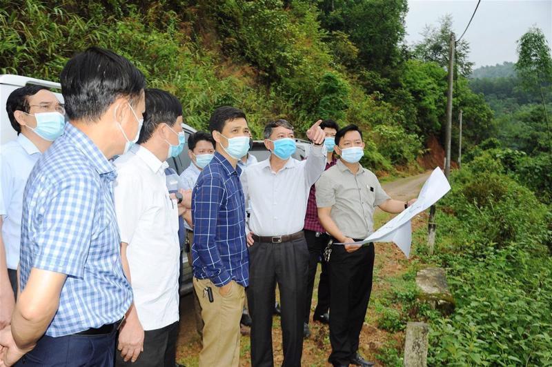 Chủ tịch UBND tỉnh Hoàng Xuân Ánh khảo sát thực địa vị trí quy hoạch sân bay tỉnh Cao Bằng