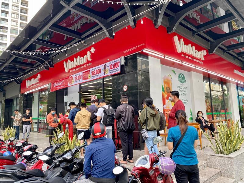 """Theo thỏa thuận, hai bên cùng phát triển mô hình """"Kiosk Phúc Long"""" thông qua mạng lưới hơn 2.200 cửa hàng VinMart+ trên toàn quốc."""