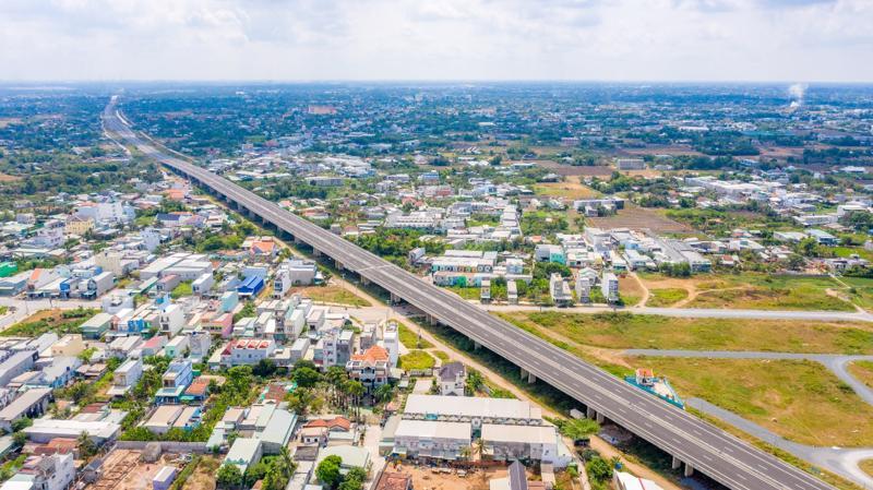 Đẩy mạnh quy hoạch vùng và hạ tầng tạo đòn bẩy cho bất động sản Long An.