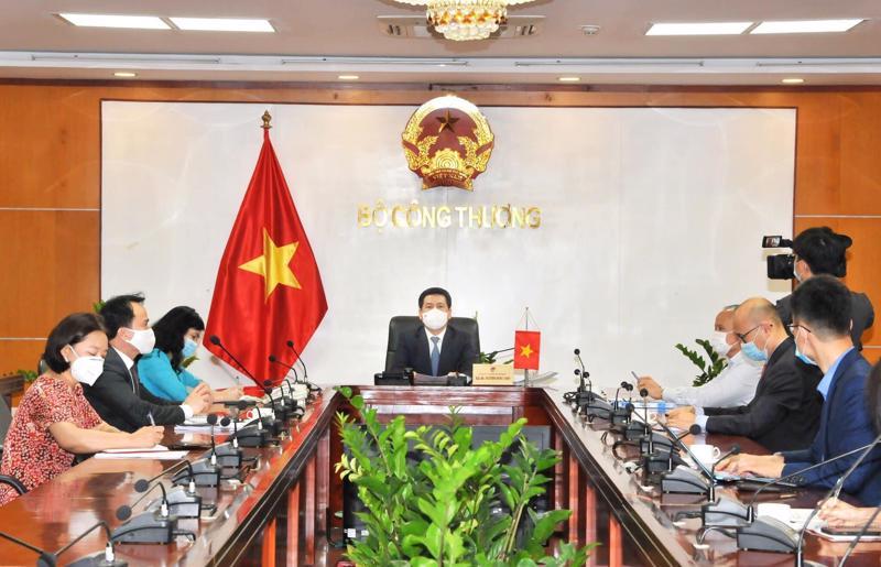 Buổi điện đàm giữa Bộ trưởng Nguyễn Hồng Diên và Bộ trưởng Yasutoshi Nishimura.
