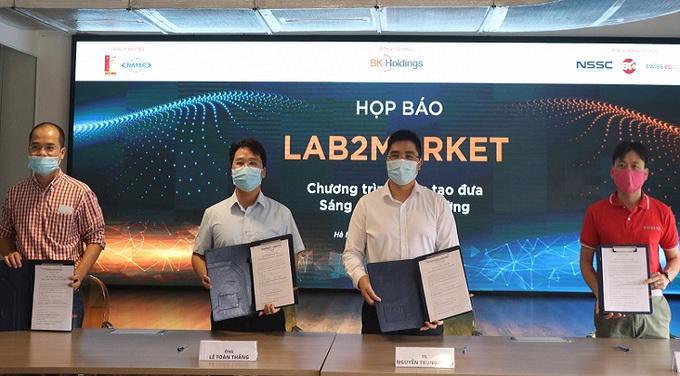 Bốn đơn vị BK Holdings, BK Fund, NSSC, Swiss EP đã cùng nhau ký kết hợp tác để đưa sáng chế ra thị trường trong nước và quốc tế.