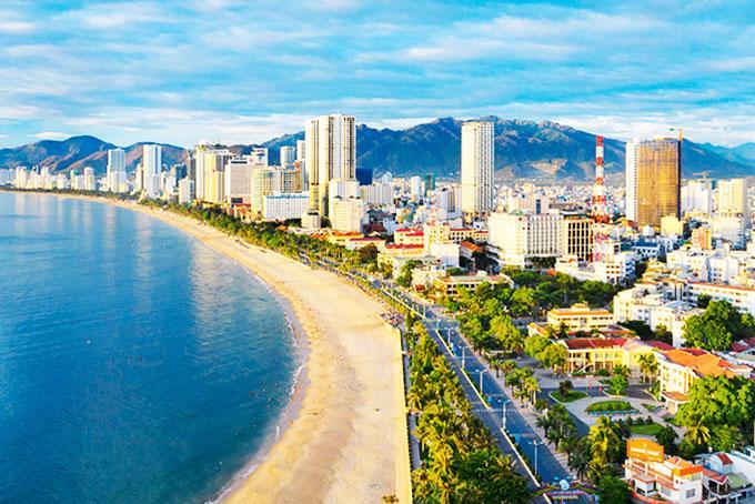 Đưa Khánh Hòa trở thành trung tâm kinh tế biển, trung tâm du lịch