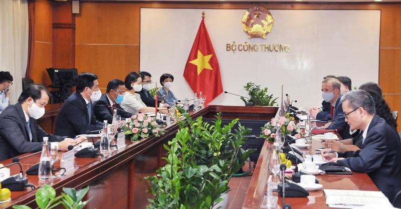 Bộ trưởng Nguyễn Hồng Diên làm việc với Ngài Alok Sharma, Bộ trưởng Chính phủ Anh, Chủ tịch Hội nghị lần thứ 26 các Bên tham gia Công ước khung của Liên Hợp Quốc về Biến đổi khí hậu (COP26).