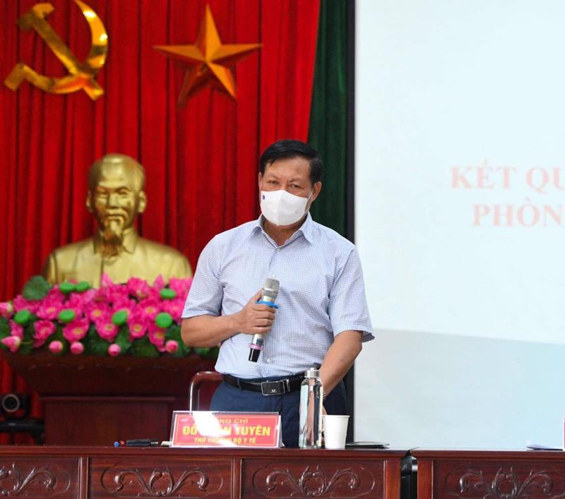 Thứ trưởng Bộ Y tế Đỗ Xuân Tuyên tại buổi làm việc với Ban Quản lý các khu công nghiệp tỉnh Bắc Ninh.
