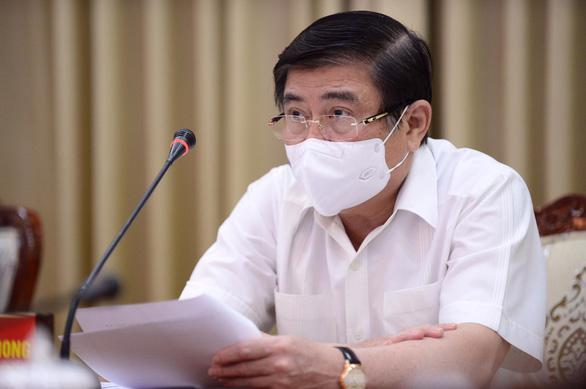 Chủ tịch Ủy ban nhân dân TP.HCM Nguyễn Thành Phong tại cuộc họp sáng ngày 30/5.