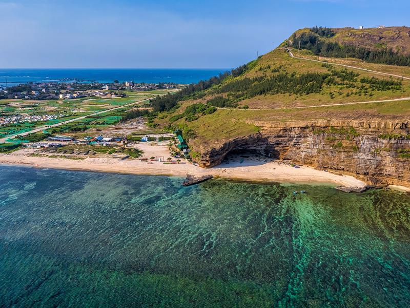 Đề xuất đầu tư sân bay quốc tế công suất 3 triệu hành khách/năm tại đảo Lý Sơn.