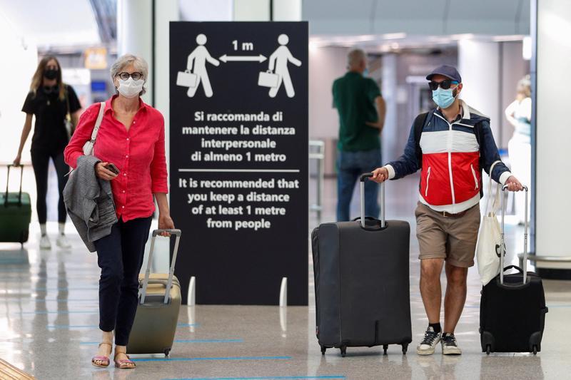 Hoạt động đi lại được dự báo tăng mạnh ở Mỹ và châu Âu trong mùa hè năm nay nhờ một tỷ lệ lớn dân số đã được tiêm chủng ngừa Covid - Ảnh: Reuters.