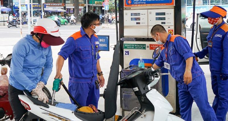 Giá xăng dầu tăng từ 15h00 ngày 26/6/2021