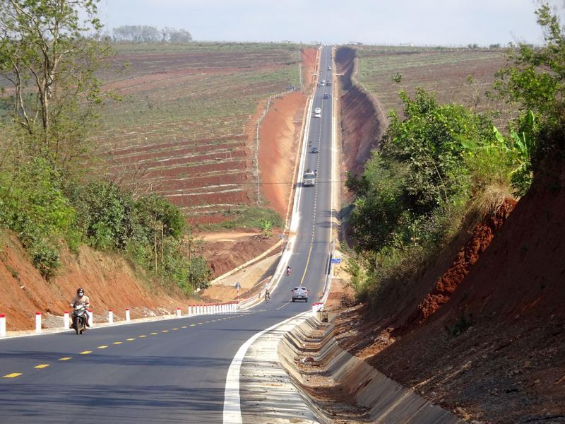 Dự án đường Hồ Chí Minh đoạn qua Tây Nguyên bị xuống cấp nghiêm trọng