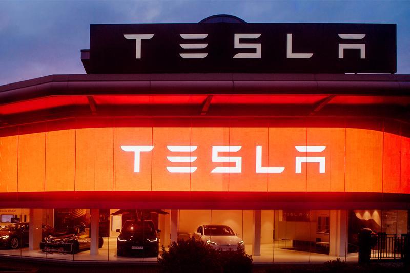 Một trạm sạc pin xe điện của Tesla - Ảnh: Tesla