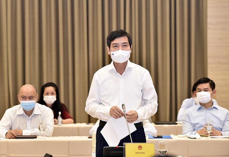 Thứ trưởng Bộ Tài chính Tạ Anh Tuấn trả lời vấn đề liên quan đến Quỹ vaccine - Ảnh: VGP/Nhật Bắc