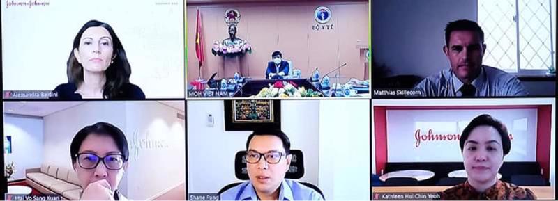 Bộ trưởng Bộ Y tế Nguyễn Thanh Long làm việc trực tuyến với Johnson & Johnson trao đổi về vấn đề nhập khẩu vaccine.