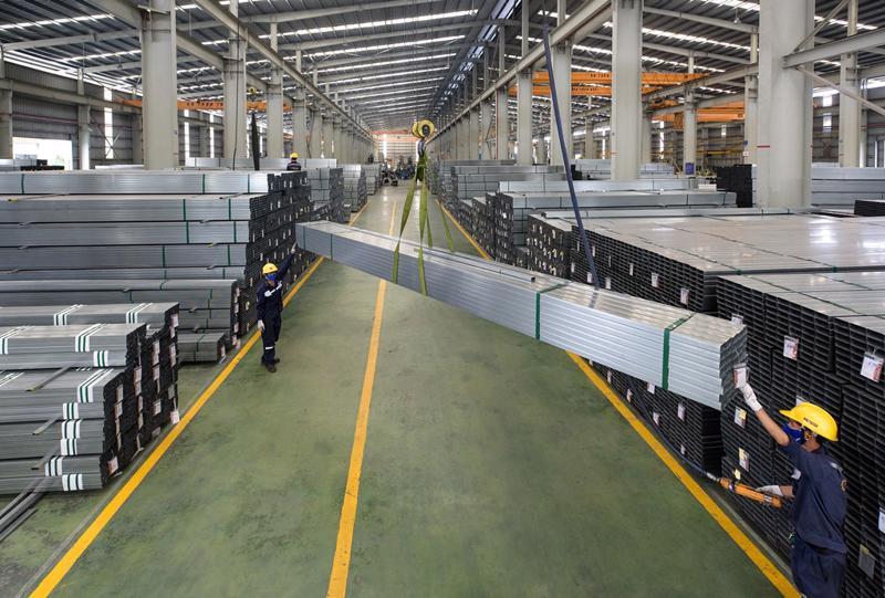 Tháng 4/2021, Tập đoàn Hoa Sen ghi nhận sản lượng tiêu thụ ước đạt 216.390 tấn; doanh thu ước đạt 4.550 tỷ đồng, tăng trưởng 104% so với cùng kỳ.