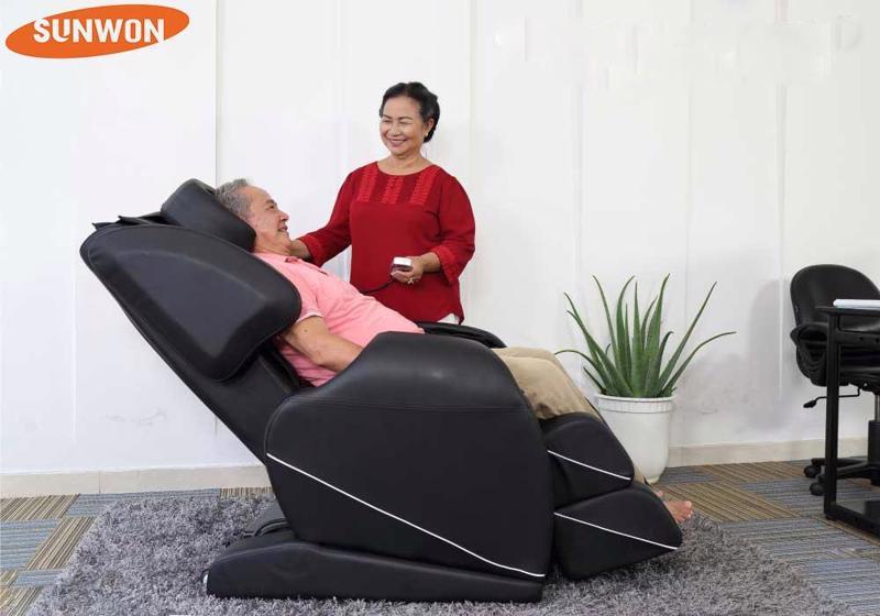 Thuê ghế massage là phương pháp rất kinh tế để chăm sóc sức khỏe.