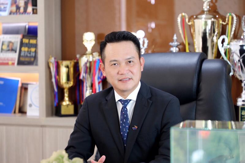 Ông Đặng Hồng Anh, Chủ tịch Hội Doanh nhân trẻ Việt Nam, Phó Chủ tịch Tập đoàn Thành Thành Công đang có kế hoạch nhập khoảng một triệu liều vaccine thông qua một trong số 36 công ty được cấp phép nhập khẩu.