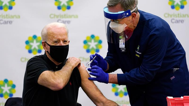 Tổng thống Joe Biden tiêm mũi vaccine Covid-19 của Pfizer/BioNTech thứ hai vào ngày 11/1 - Ảnh: ABC7news
