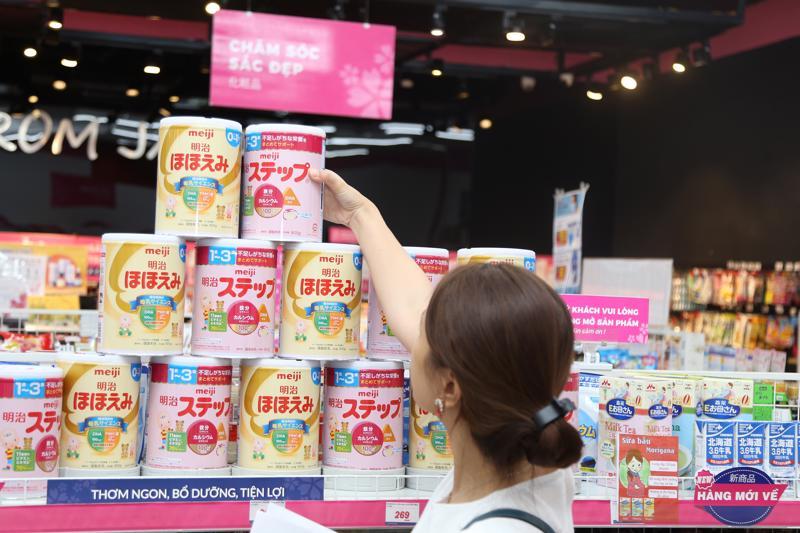 Bỉm, sữa nội địa Nhật được nhiều bà mẹ ưa thích sử dụng cho bé.