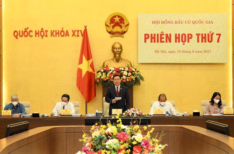 Chủ tịch Hội đồng bầu cử quốc gia, Chủ tịch Quốc hội Vương Đình Huệ phát biểu tại Phiên họp thứ 7 - Ảnh: Quochoi.vn