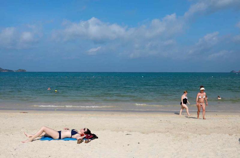 Từ tháng 7, du khách đã tiêm vaccine Covid-19 có thể tới Phuket mà không cần cách ly - Ảnh: Reuters