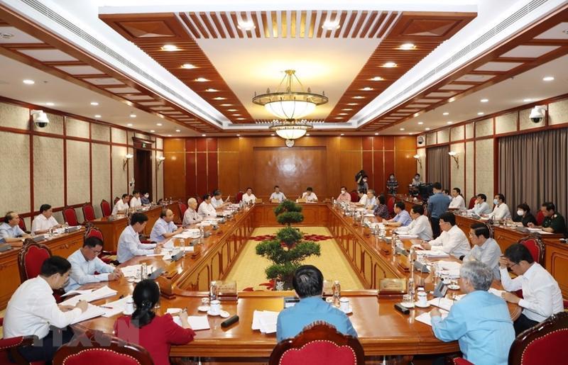 Cuộc họp của Bộ Chính trị họp về tình hình phòng, chống dịch Covid-19 ngày 11/6 - Ảnh: TTXVN