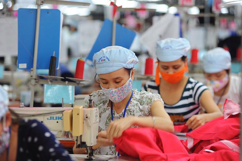 Doanh nghiệp dệt may đối mặt với nhiều khó khăn