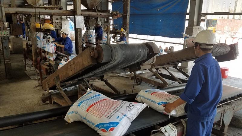 Một dây chuyền sản xuất phân bón. Ảnh minh họa
