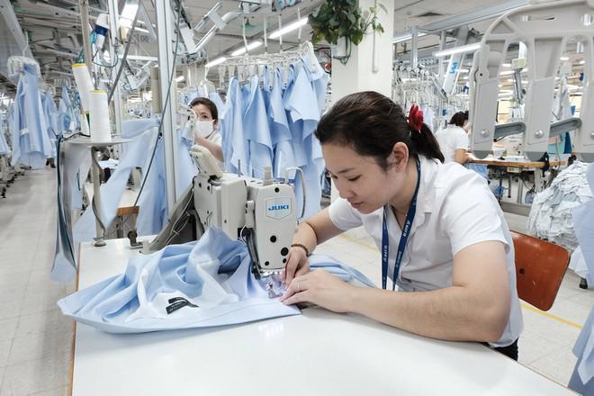 Đơn hàng rớt giá thảm, doanh nghiệp dệt may lao đao