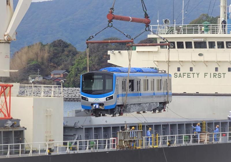 TP.HCM liên tục đón nhận các đoàn tàu được nhập cảng Khánh Hội từ Nhật.