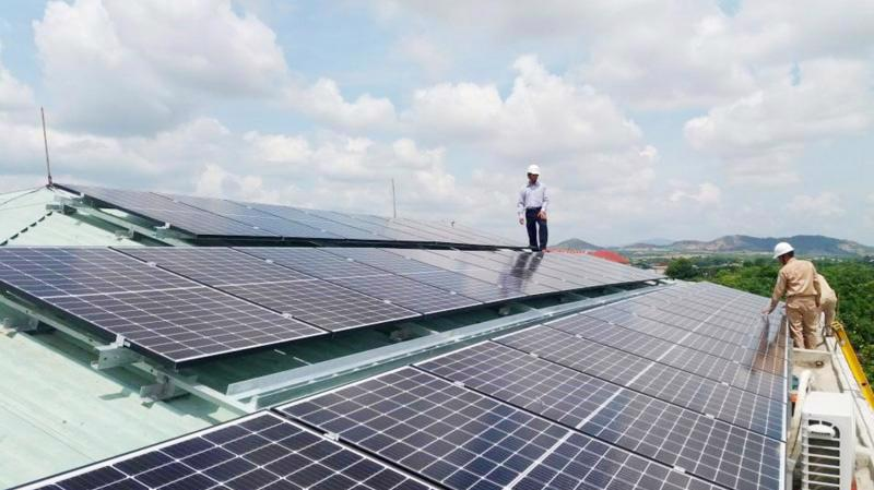 Phát triển điện mặt trời tại một số địa phương còn bất cập.