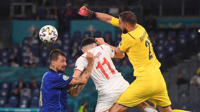 Euro 2020 diễn ra từ ngày 11/6 - 11/7 tại 11 thành phố ở 11 quốc gia khác nhau thuộc Liên đoàn bóng đá châu Âu (UEFA) - Ảnh: Reuters