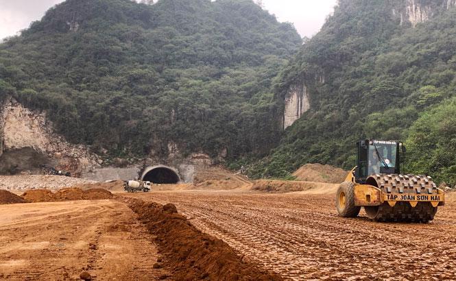 Nhiều đoạn tuyến cao tốc Bắc - Nam đang được tập trung triển khai