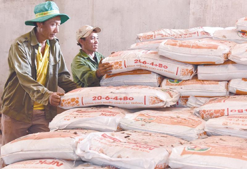 Tạm dừng xuất khẩu phân bón để đảm bảo nguồn cung trong nước.