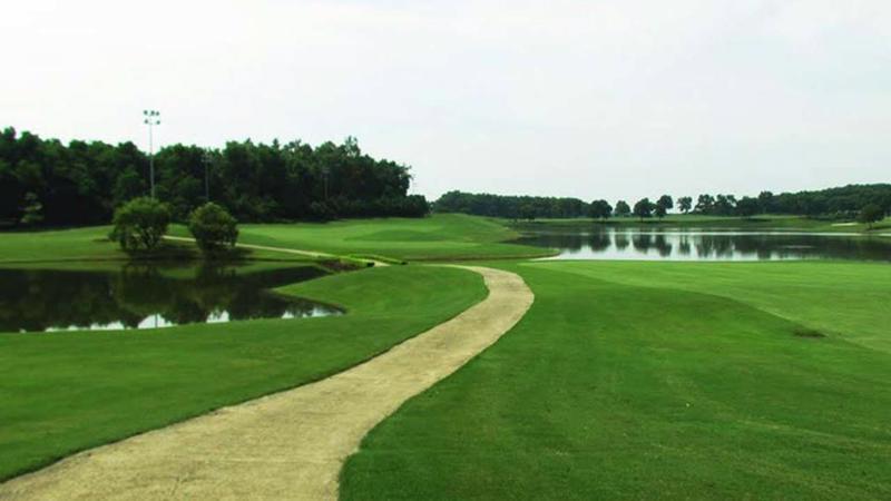 Hà Nội cho phép mở lại sân golf từ 0h ngày 26/6.