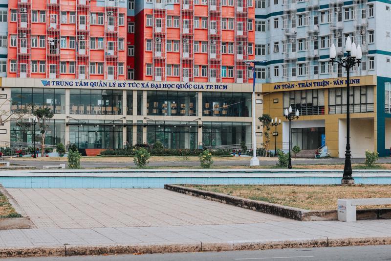 Ký túc xá Khu A, Đại học Quốc gia TP.HCM (thành phố Thủ Đức) được chọn làm Bệnh viện dã chiến thu dung điều trị Covid-19.