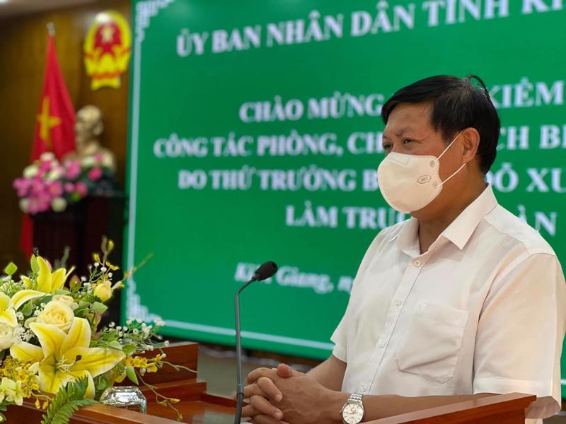 Thứ trưởng Bộ Y tế Đỗ Xuân Tuyên phát biểu tại buổi làm việc với UBND tỉnh Kiên Giang.