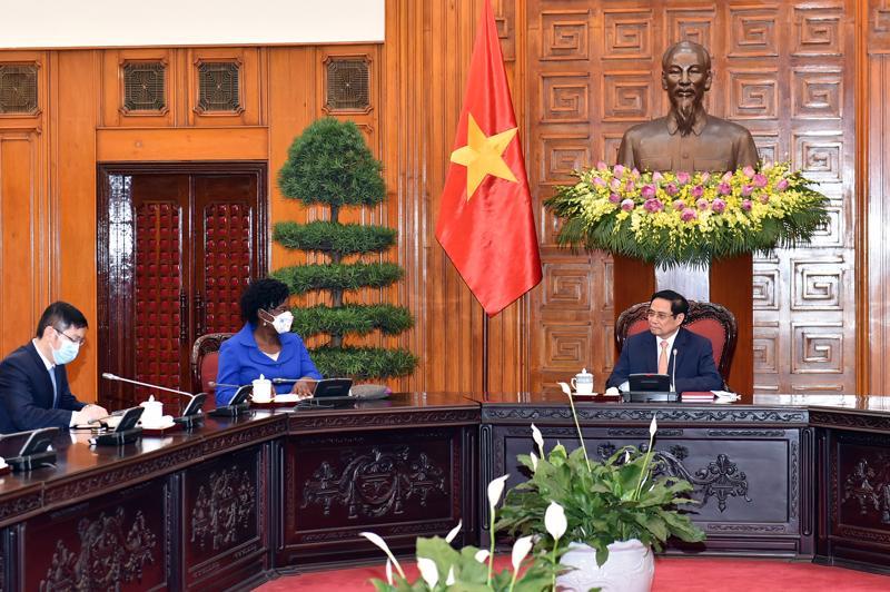 Thủ tướng Chính phủ Phạm Minh Chính tiếp bà Victoria Kwakwa, Phó Chủ tịch WB phụ trách khu vực Đông Á và Thái Bình Dương - Ảnh: Nhật Bắc/VGP