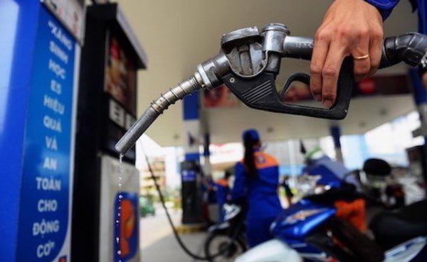 Giá xăng điều chỉnh 3 đợt đẩy CPI tăng 0,1 điểm phần trăm
