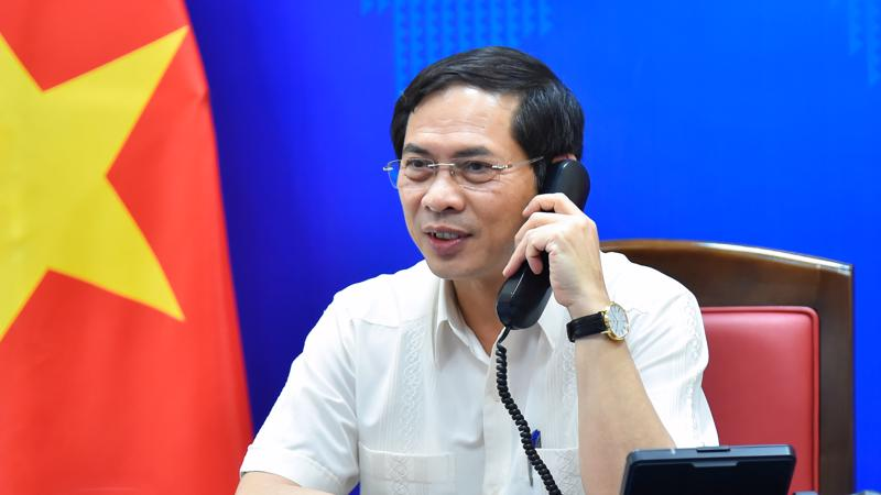 Bộ trưởng Ngoại giao Bùi Thanh Sơn tại cuộc điện đàm với Bộ trưởng Ngoại giao Na Uy - Ảnh: Báo TGVN