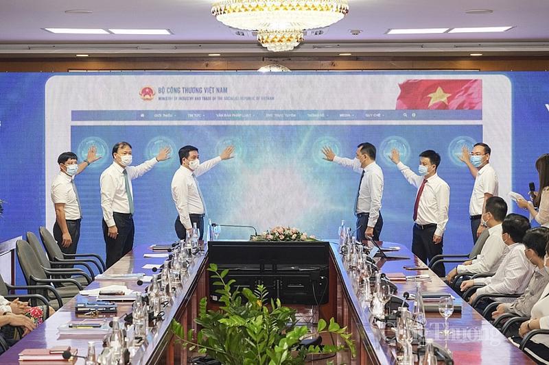 Cổng thông tin điện tử mới của Bộ vừa được đưa vào sử dụng nhằm hình thành nhịp cầu trực tuyến gắn bó mật thiết giữa Bộ Công Thương với người dân và doanh nghiệp.