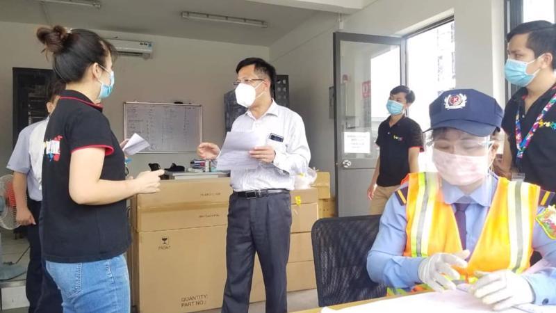 Đoàn Bộ Y tế kiểm tra công tác phòng, chống dịch tại Công ty TCL Bình Dương.