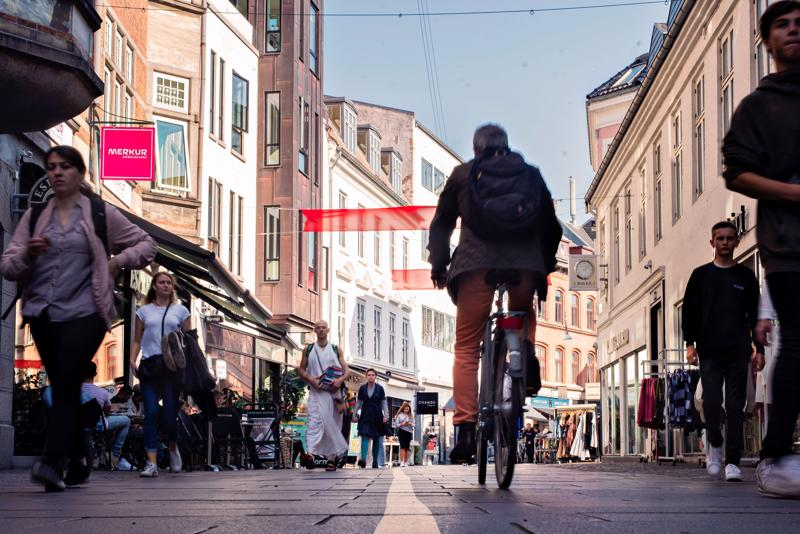 Bên cạnh việc có nhiều tiền, người Đan Mạch cũng thuộc nhóm vay nợ nhiều nhất tại châu Âu - Ảnh minh họa: Bloomberg